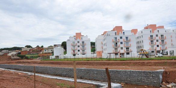 Execução das obras de revitalização do Córrego das Antas (2013)