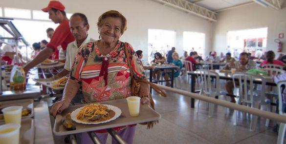 Implantação do Restaurante Popular de Anápolis, na Vila Jaiara (2013)