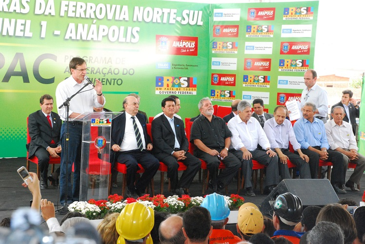 Vistoria-das-obras-da-Ferrovia-Norte-Sul-com-a-presença-do-Presidente-Lula-e-ministros-Foto-Paulo-Giovanni (1)